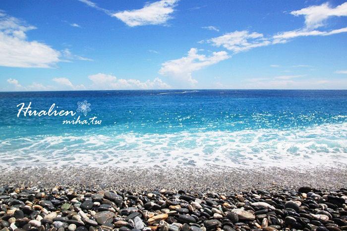 花蓮 ▌花蓮月牙灣七星潭風景區,湛藍海水藍的像果凍!