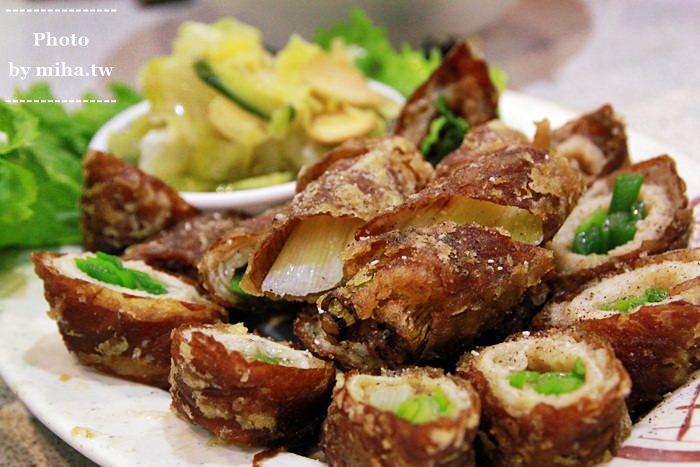 台中 ▌私房美食:有三間店面人氣滿載的刈菜烏骨雞湯