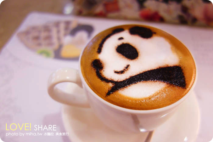 台中 ▌療癒熊貓奶泡咖啡:胖達咖啡平價早午餐下午茶,都是圓仔的可愛咖啡廳
