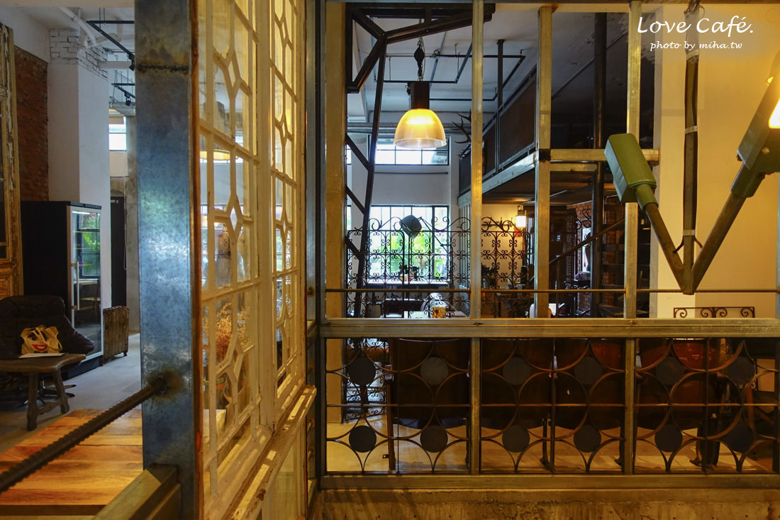 信義安和咖啡廳,舒服生活,信義區咖啡廳,復古咖啡廳,古董傢俱咖啡廳,台北婚紗場地,台北外拍餐廳